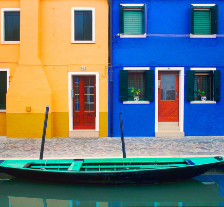 burano-italy-colorful-houses-boat-canal