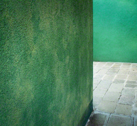 burano-italy-green-walls-