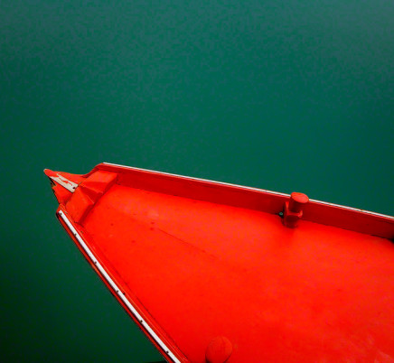burano-italy-red-boat
