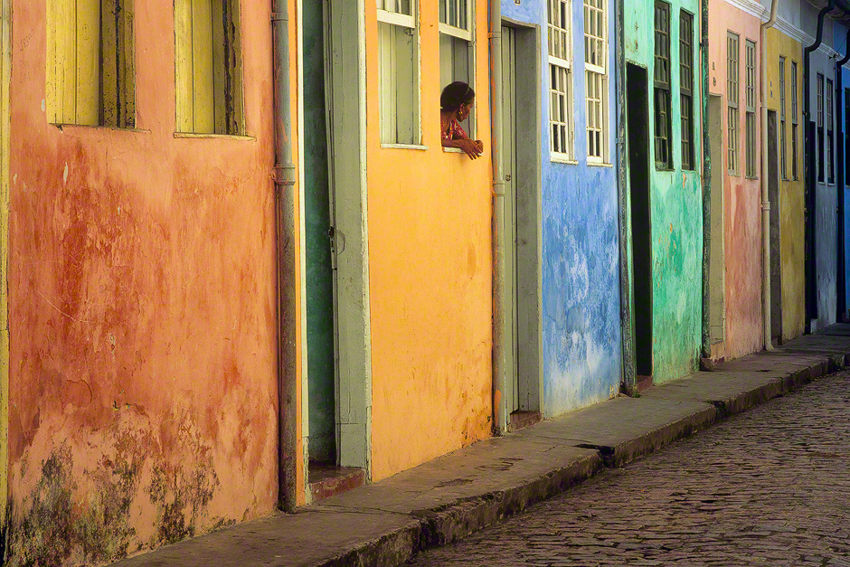 cachoeira-brazil-colorful-house