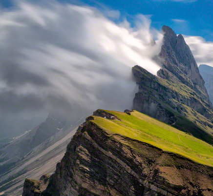 dolomites-italy-seceda-mountains-clouds