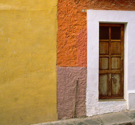 san-miguel-de-allende-mexico-colorful-house