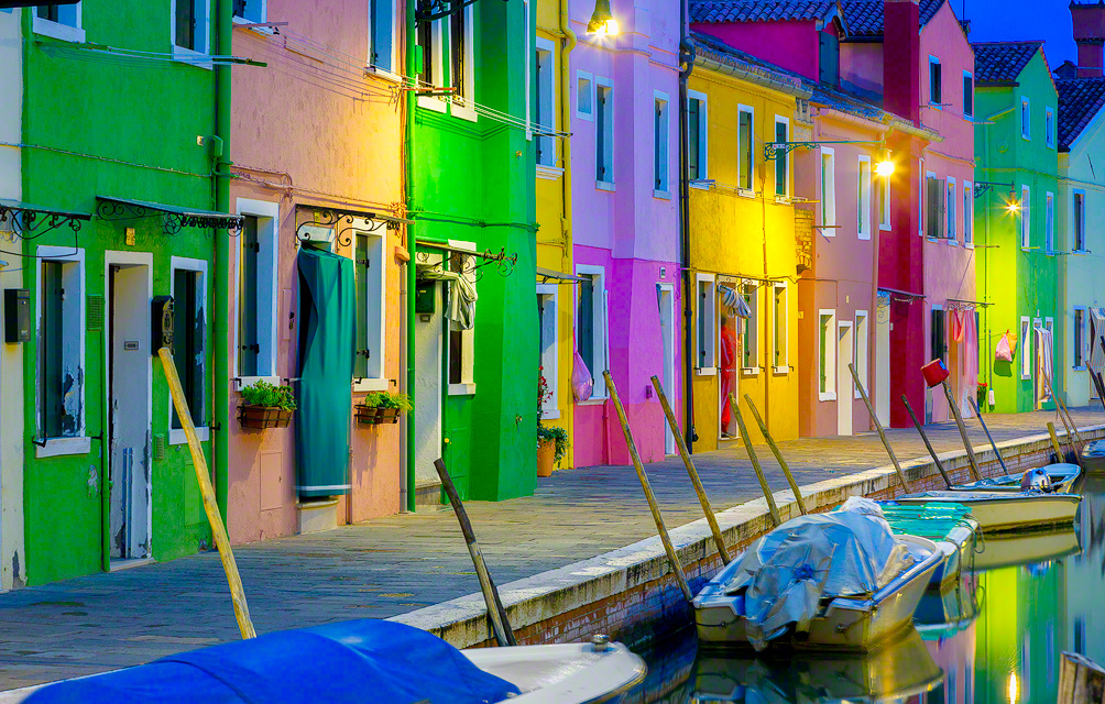 burano-italy-blue-hour-slider-804