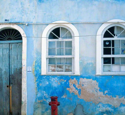 colorful-house-pelourinho-salvador-brazil