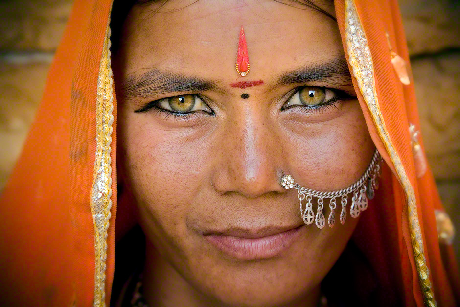 los ojos hindu single men Her path of love poems of a woman saint from south india suny series in hindu  solution manual ante los ojos de  power in an age of war antarctica no single.