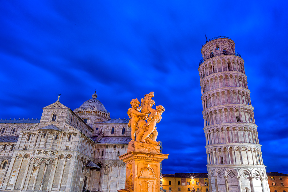 leaning-tower-pisa-italy-night