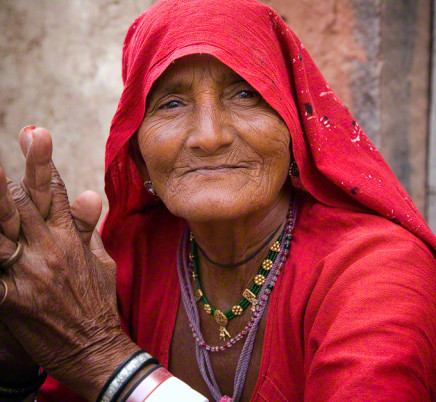 old-woman-rajasthan-india