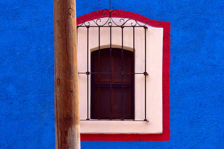 window-wall-oaxaco-mexico