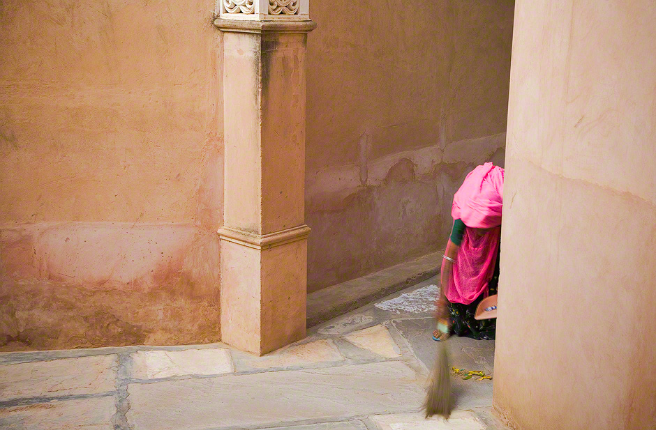 woman-sweeping-rajasthan-india